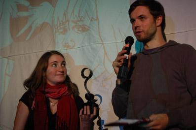Barbara Sas und David Paede, Gewinner des Publikumspreises der Kategorie Doku Panorama, bei der Preisverleihung